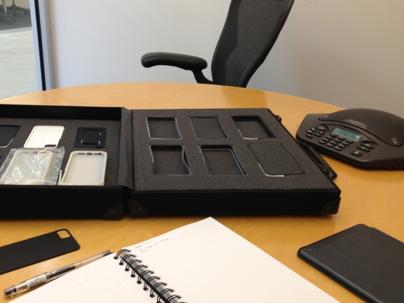 iphone-briefcase